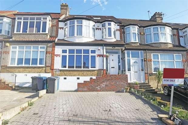 4 Bedrooms Terraced House for sale in Windsor Drive, Barnet, Hertfordshire