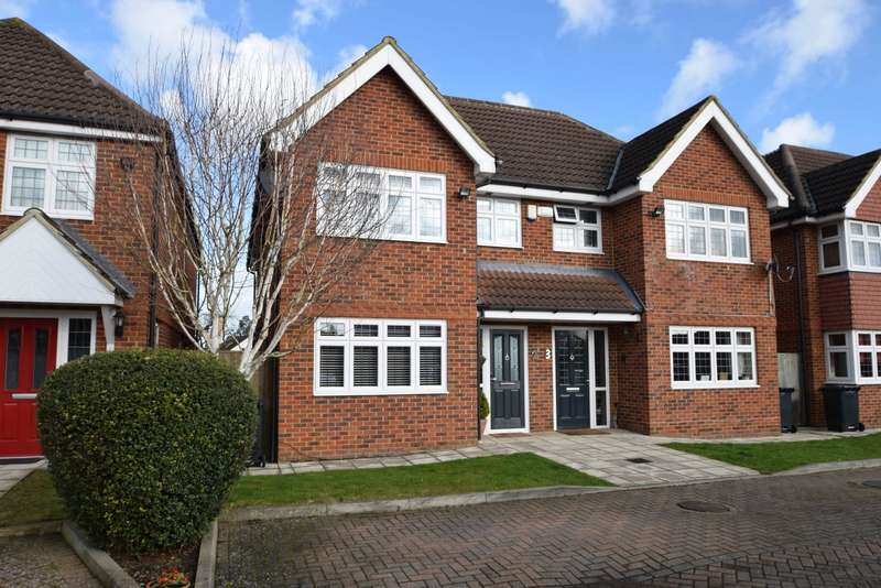 4 Bedrooms Semi Detached House for sale in Mallard Close, Burnham, SL1