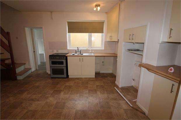 3 Bedrooms Terraced House for rent in George Street, Exmouth, George Street, EX8 1LQ