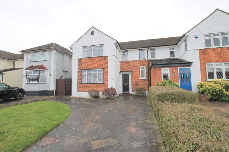 3 Bedrooms Semi Detached House for sale in Mill Way, Bushey