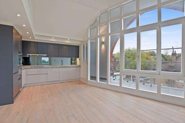 2 Bedrooms Apartment Flat for sale in Winchester Hall Archway Road, London, N6
