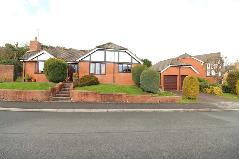 3 Bedrooms Bungalow for sale in Tregarn Close, Langstone, Newport, NP18