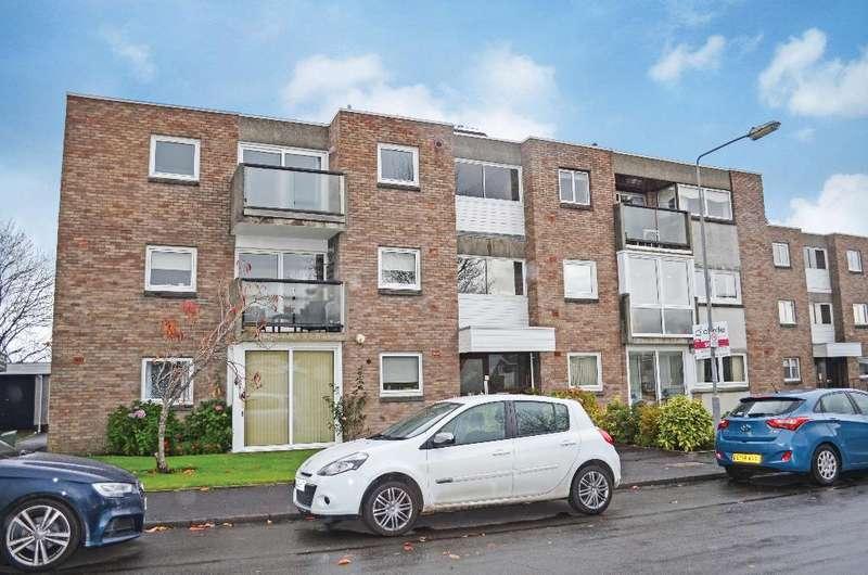 3 Bedrooms Flat for sale in Lanton Road, Flat 1/1, Newlands, Glasgow, G43 2SR