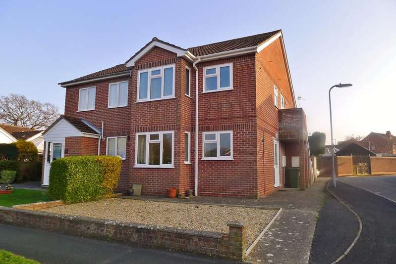 2 Bedrooms Flat for sale in FAREHAM