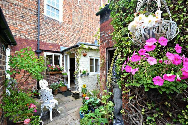 3 Bedrooms Terraced House for sale in West End, Stokesley, North Yorkshire