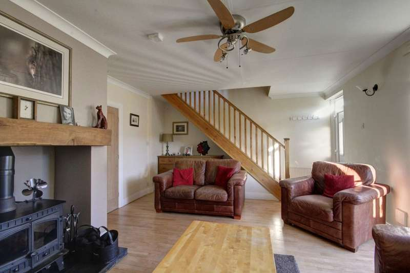 2 Bedrooms Property for sale in Lady Beatrice Terrace, New Herrington, Houghton Le Spring, DH4