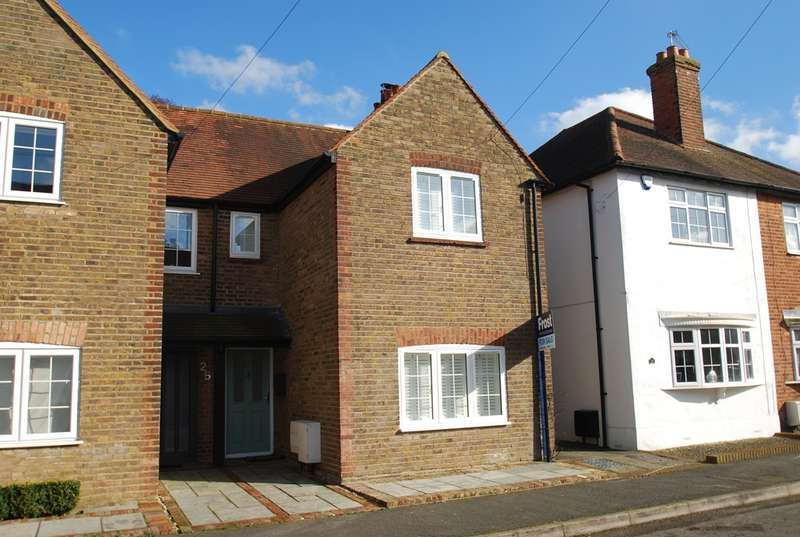 3 Bedrooms House for sale in Horseshoe Crescent, Beaconsfield, HP9
