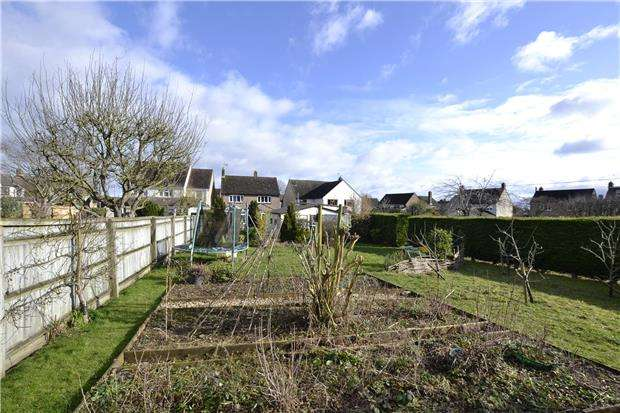 3 Bedrooms Detached House for sale in Davenport Road, WITNEY, Oxfordshire, OX28 6EL
