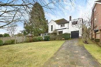 4 Bedrooms Detached House for sale in Park Farm Road, Bickley, Bromley, Kent, BR1 2PE