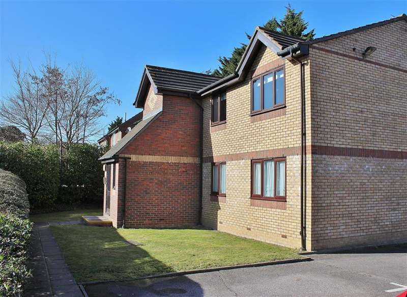 1 Bedroom Ground Flat for sale in Shortlands Close, Belvedere, Kent, DA17