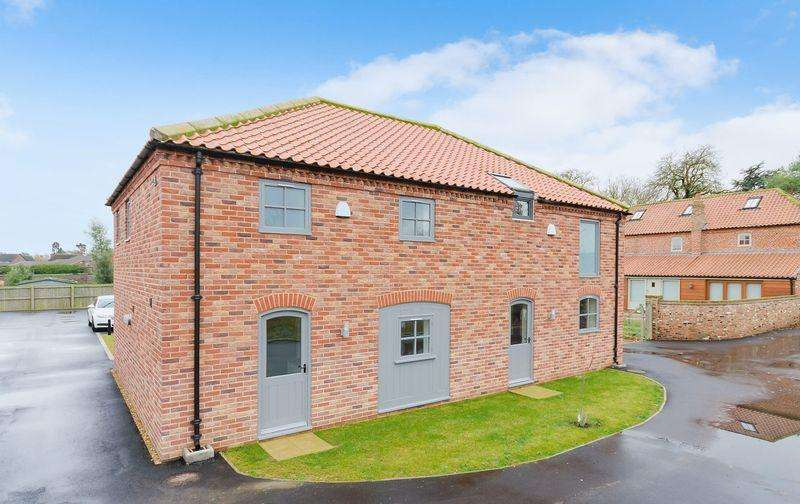 3 Bedrooms Semi Detached House for sale in Sibsey Court, Sibsey