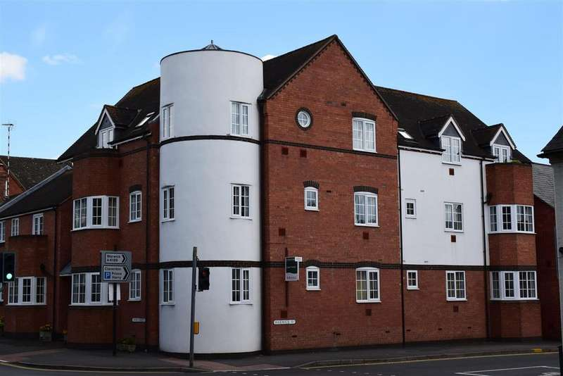 2 Bedrooms Apartment Flat for rent in Warwick Road
