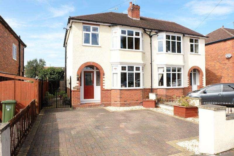 3 Bedrooms Semi Detached House for sale in Baldwin Road, Kidderminster DY10 2UB