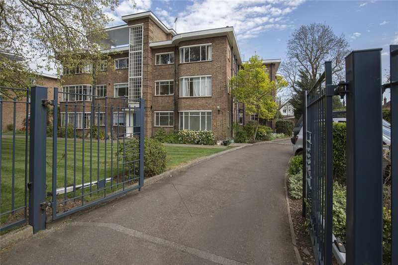 3 Bedrooms Flat for sale in Kingfisher Court, Bridge Road, East Molesey, Surrey, KT8