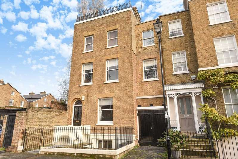 4 Bedrooms Semi Detached House for sale in Dacre Park London SE13