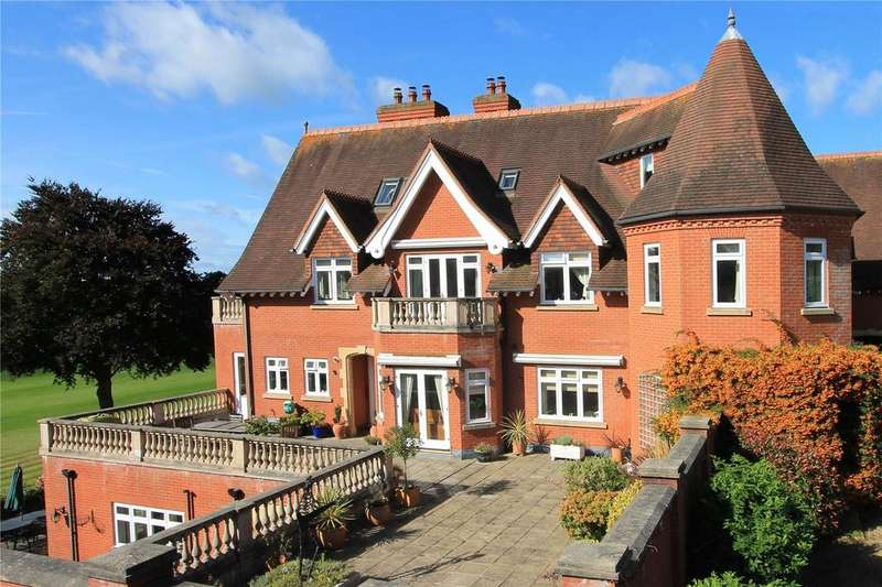 2 Bedrooms Maisonette Flat for sale in Springwood Hall, Springwood Park, Shipbourne Road, Tonbridge, TN11