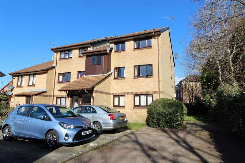 2 Bedrooms Apartment Flat for sale in Manor Fields, Horsham