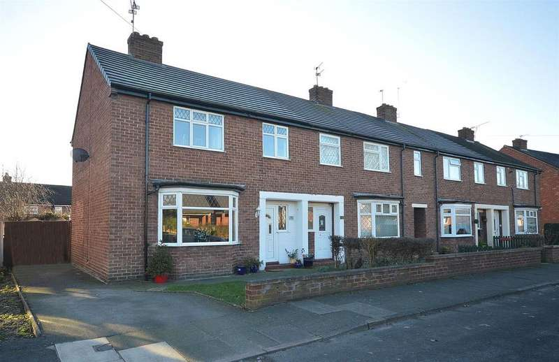 3 Bedrooms End Of Terrace House for sale in Third Avenue, Sandbach