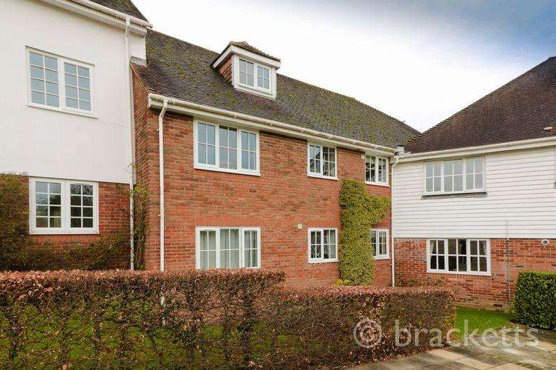 3 Bedrooms Apartment Flat for sale in Little Park, Durgates, Wadhurst