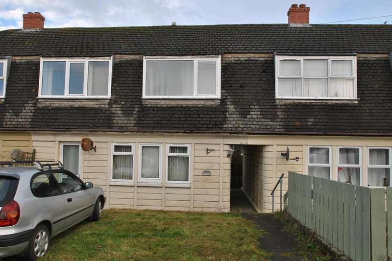 3 Bedrooms Terraced House for sale in Halloon Avenue, St. Columb Road
