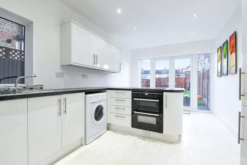 5 Bedrooms Terraced House for sale in Crusoe Road, Mitcham