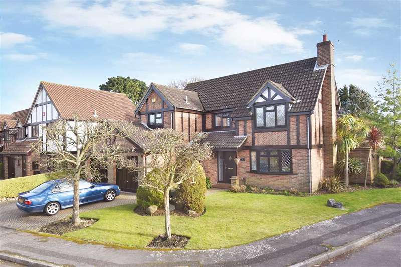 4 Bedrooms Detached House for sale in ERICA CLOSE, LOCKS HEATH