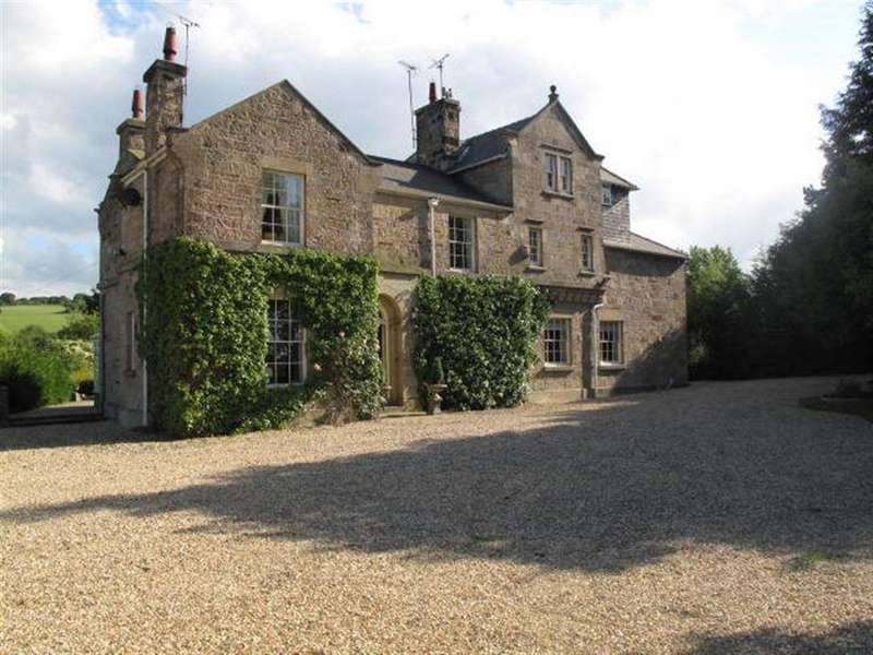 6 Bedrooms House for rent in Llanerch Y Mor, Holywell, Flintshire
