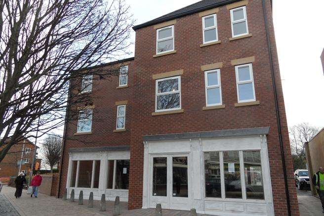 2 Bedrooms Apartment Flat for rent in 28 Townend, Ossett, Wakefield, WF5 9HA