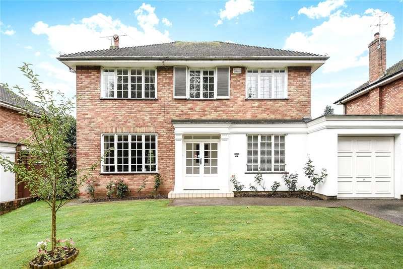 4 Bedrooms Detached House for sale in Northbrook Drive, Northwood, Middlesex, HA6