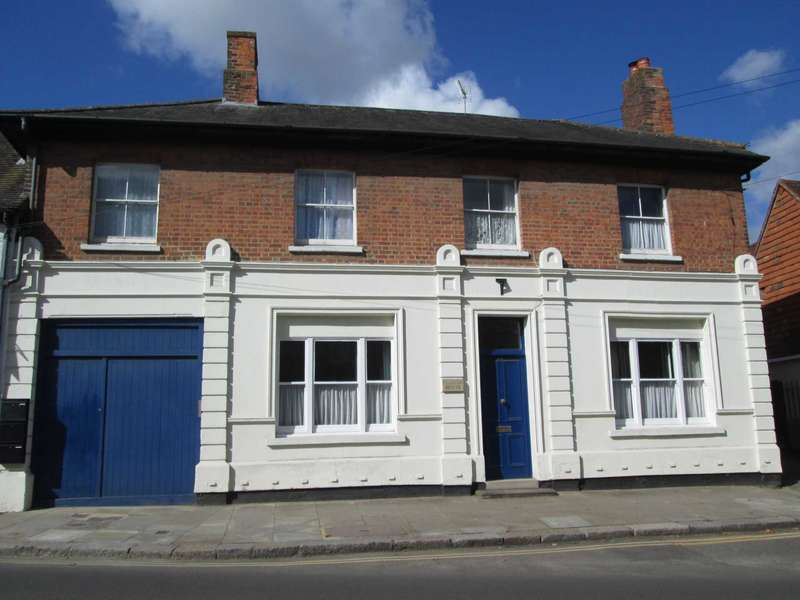 4 Bedrooms End Of Terrace House for rent in High Street, Hungerford