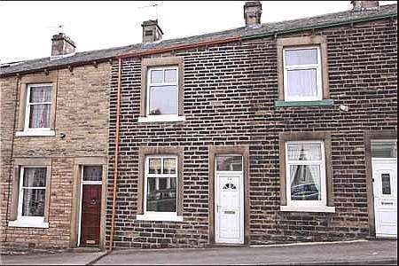 2 Bedrooms Terraced House for sale in Brogden Street, Barnoldswick BB18