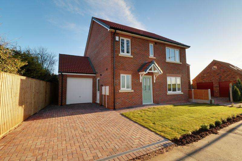 4 Bedrooms Detached House for sale in Eastfield Road, Barton-Upon-Humber
