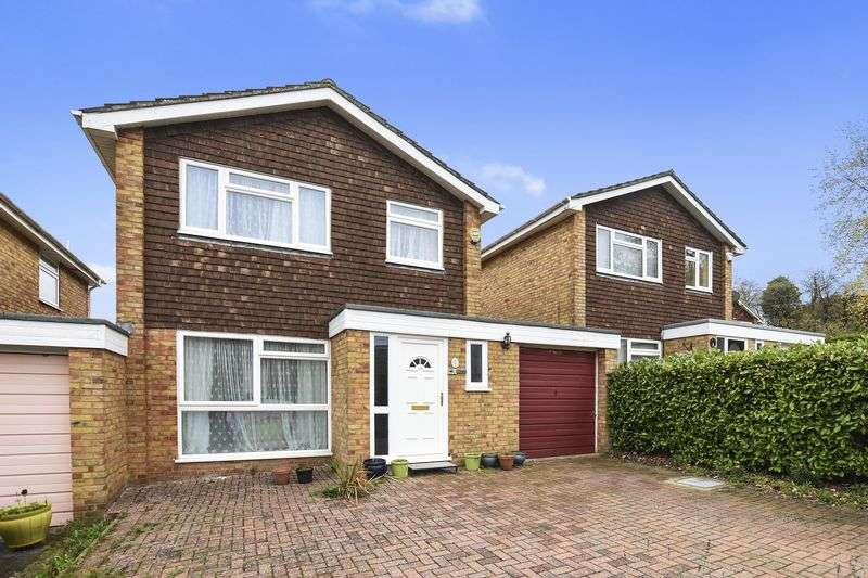 3 Bedrooms Property for sale in Poplar Drive, Nork, Banstead, Surrey