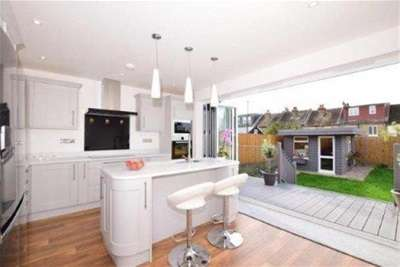 3 Bedrooms Detached House for rent in Curzon Road, Maidstone