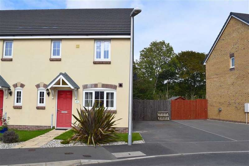 3 Bedrooms Semi Detached House for sale in Gatehouse View, Pembroke