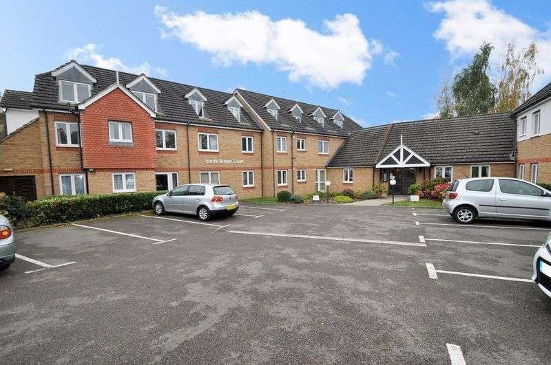 1 Bedroom Property for sale in Lords Bridge Court, Shepperton, TW17 9HE