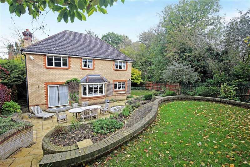 4 Bedrooms Detached House for sale in Little Brook Road, Roydon
