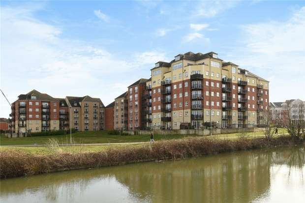 2 Bedrooms Flat for sale in Wheelwright House, Palgrave Road, Bedford