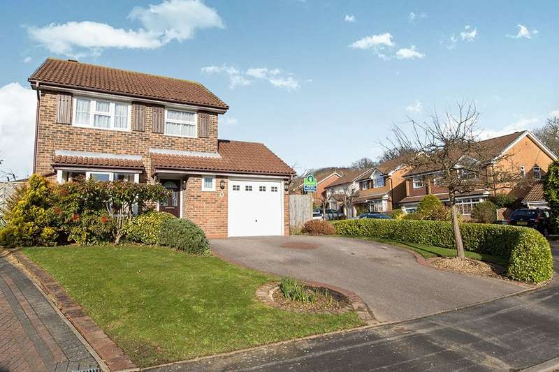 3 Bedrooms Detached House for sale in Sapphire Ridge, Waterlooville, PO7
