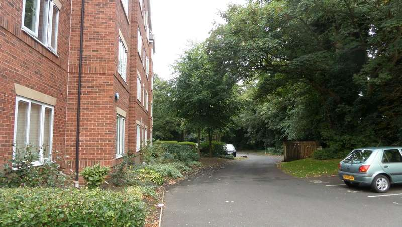 2 Bedrooms Apartment Flat for rent in Woodsome Park, Liverpool, L25