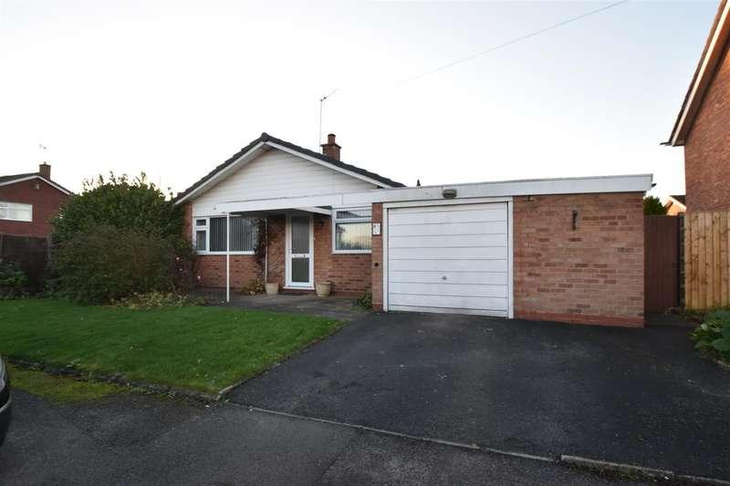 2 Bedrooms Detached Bungalow for sale in Ravenscroft Drive, Droitwich Spa