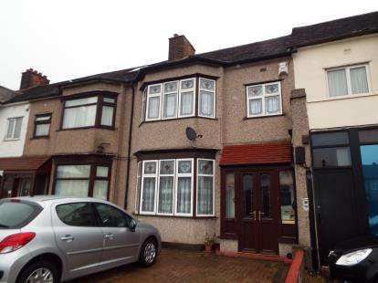 3 Bedrooms Terraced House for sale in Gants Hill, Essex