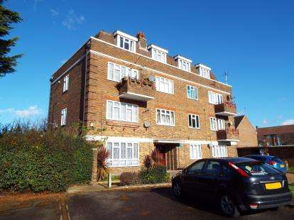 3 Bedrooms Maisonette Flat for sale in Dagenham, Essex, United Kingdom