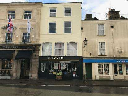 2 Bedrooms Flat for sale in Long Street, Tetbury, Gloucestershire