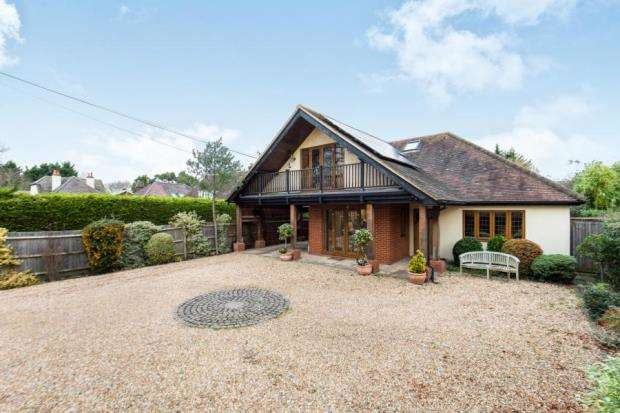 4 Bedrooms House for sale in West Horsley, Leatherhead, Surrey