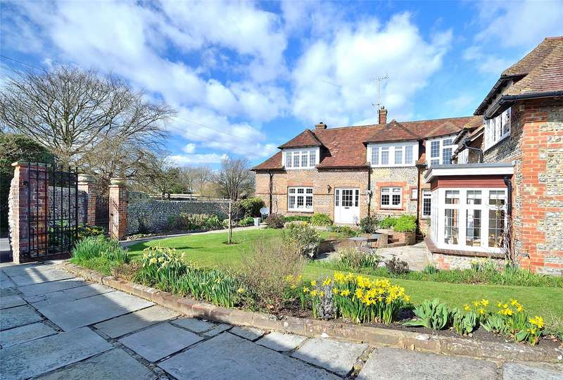 5 Bedrooms House for sale in Weavers Hill, Angmering, West Sussex, BN16