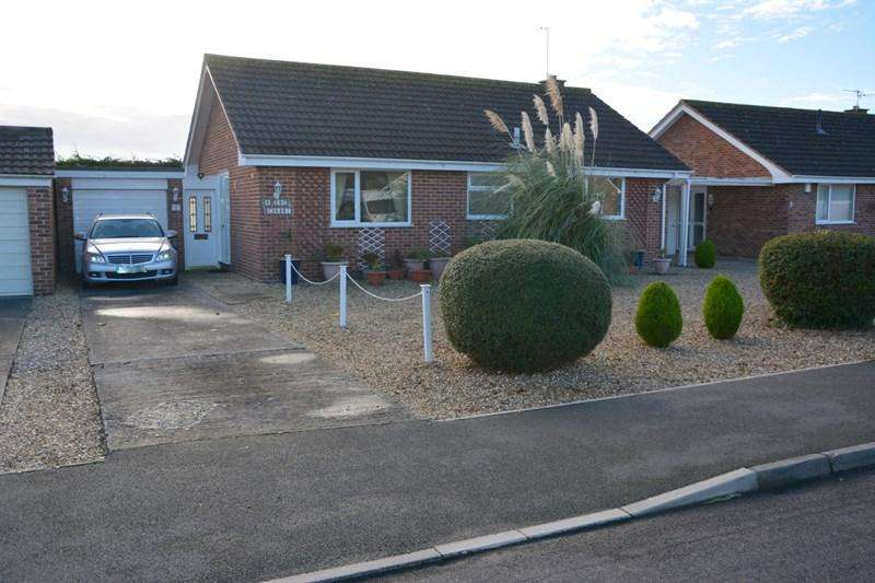 3 Bedrooms Detached Bungalow for sale in Rectory Drive, Burnham-On-Sea