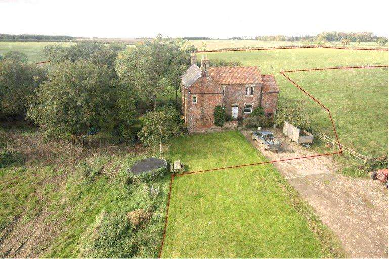 5 Bedrooms Detached House for sale in Laughton, Sleaford, NG34