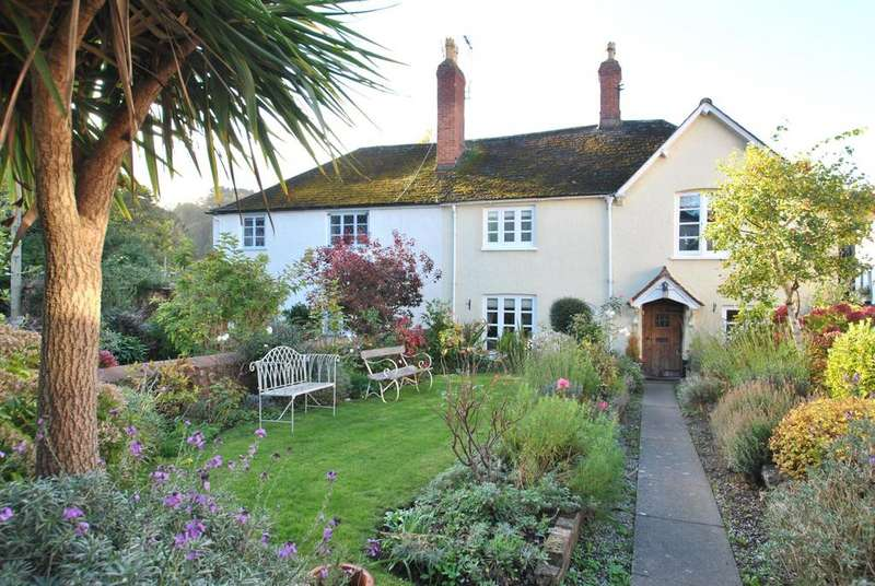6 Bedrooms Semi Detached House for sale in Mill Lane, Dunster