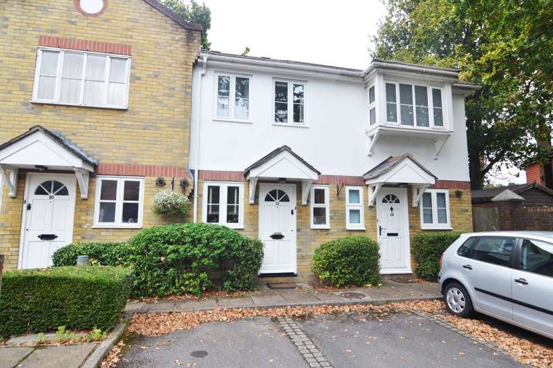 2 Bedrooms Terraced House for rent in Radcliffe Mews, Hampton Hill, TW12
